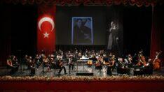 Senfoni Orkestrası Atatürk İçin Sahne Aldı