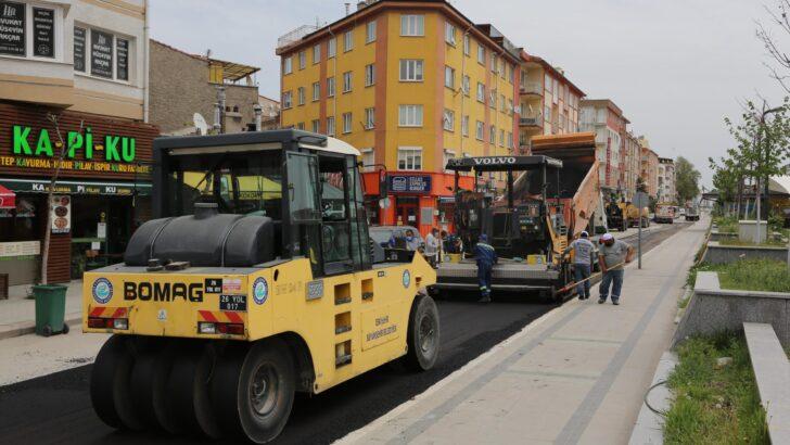 Bulvar ve Caddeler onarılıyor