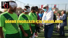 Görme engelliler için yeniden tasarlanan İsmail Arca'da ilk maç oynandı