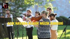 Şato'da Müzik Konserleri Açık Alanda