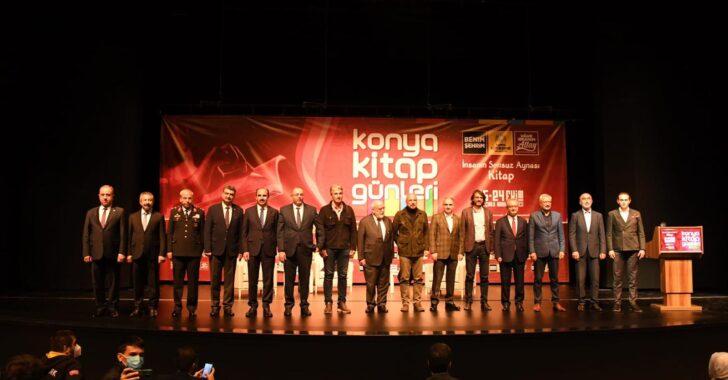 Prof.Dr.Nabi Avcı, Konya Kitap Günleri'nde Kitapseverlerle Buluştu